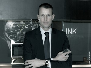 tag-heuer-sales-vice-president-pruniaux-apple-iwatch