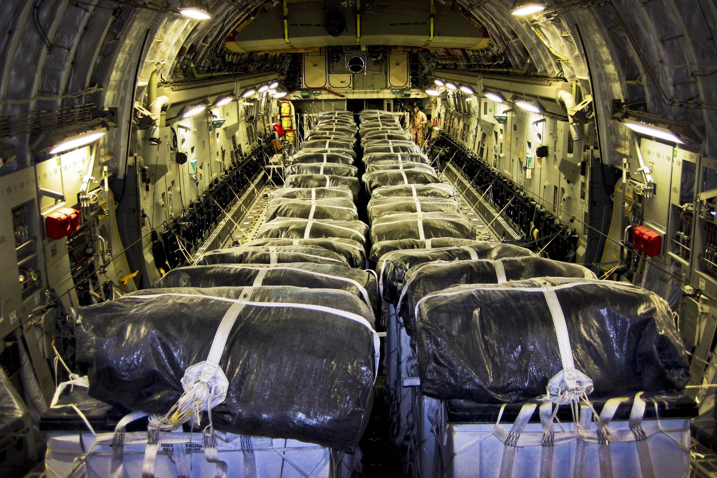140808-iraq-humanitarian-aid-jsw-1101p_bb0add581ead26a4d05bb5a10b05926e