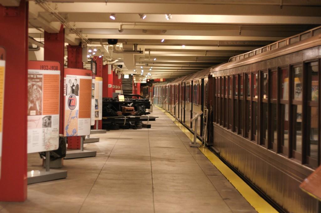 New_York_Transit_Museum_Court_Street_platform