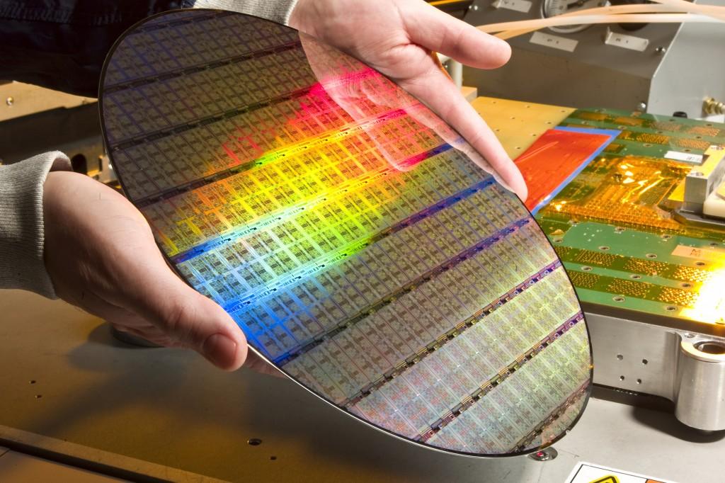 IBM Pays $1.5 Billion to Globalfoundaries to Take Unprofitable Processor Making Unit