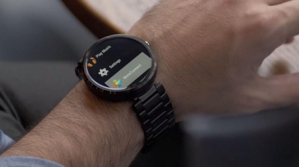 "alt=""smartwatch featuring aria gesture technology"""