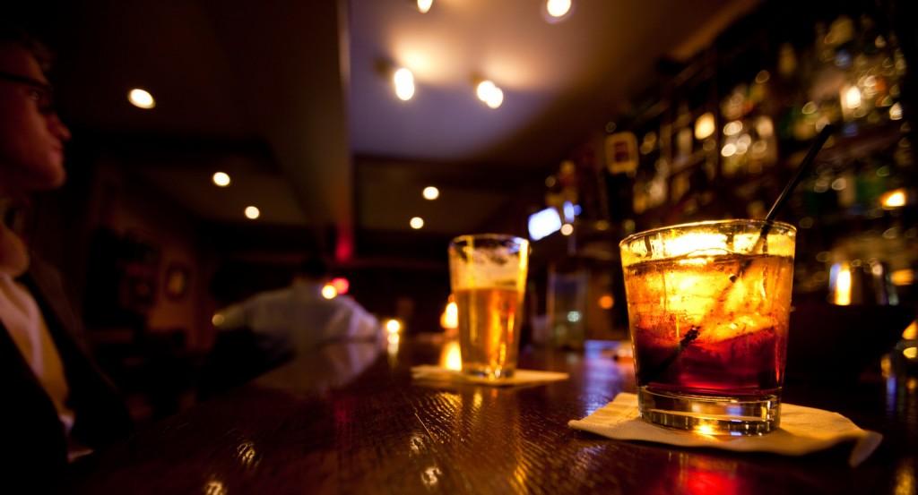 "alt=""Drinks in a Bar"""