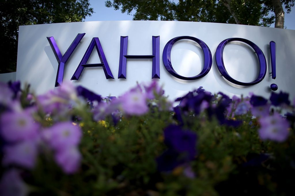 """Yahoo and Google sign new deal"""