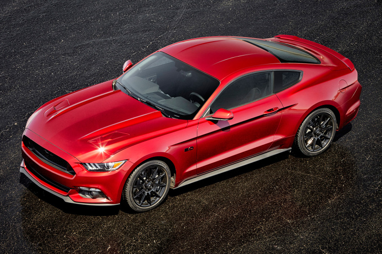 """""""Ford's 2016 Mustang"""""""