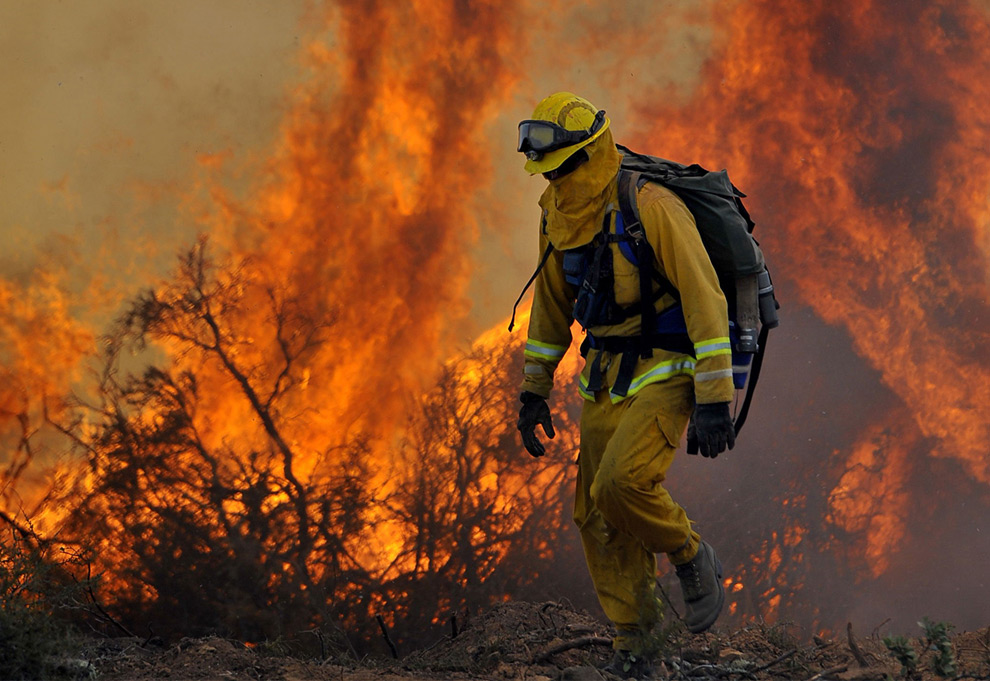 """alt=""""Firefighter Walks Away from Blaze, California"""""""
