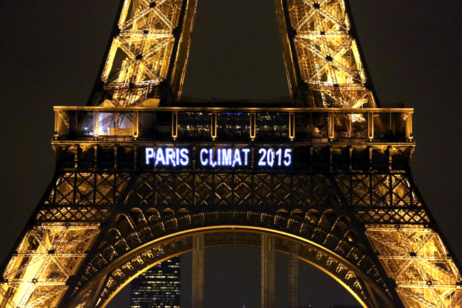 """alt=""""Eiffel Tour Paris Climat 2015"""""""