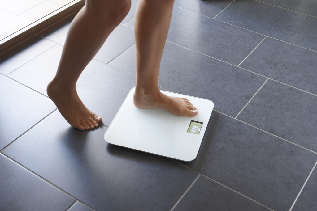 alt= scales weight loss