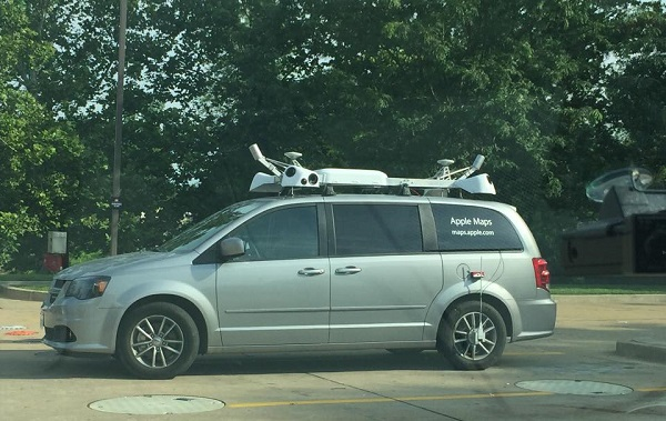 apple Maps minivan