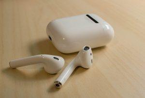 Apple's wireless headphones Airpods
