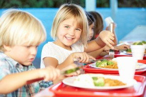 Students' lunch thrown in Utah school over unpaid bills