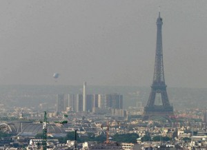 Driving restrictions imposed, public transit made free as Paris' smog worsens