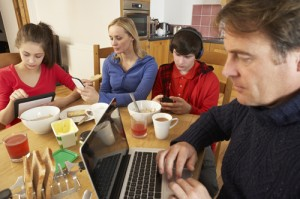 Smartphones can loosen emotional bonding with your children: Study