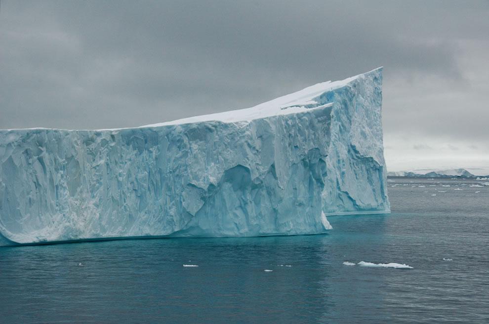Antarctica-icebergs-in-Gerlache-strait