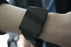 LG offers you a glimpse of G Watch