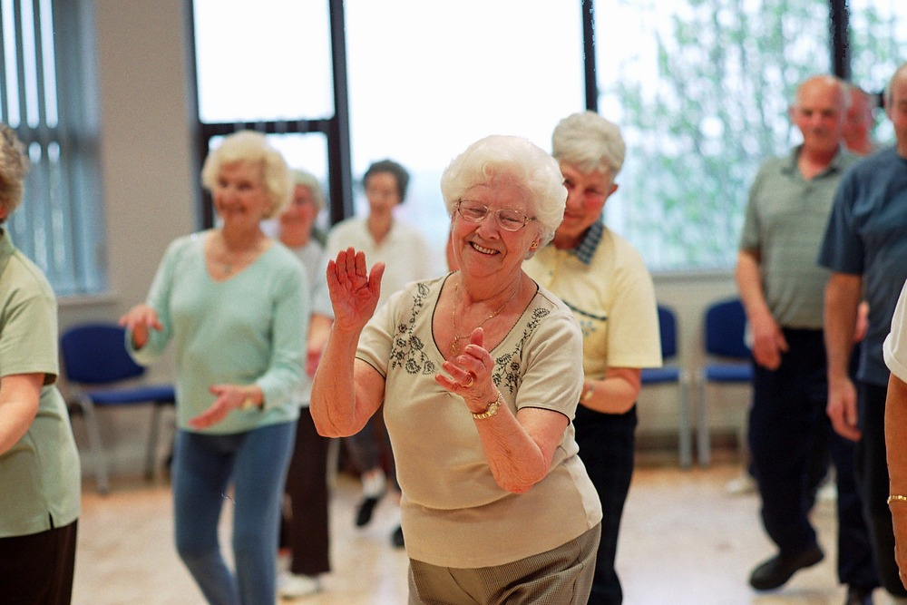 older-people-dancing
