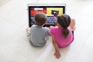 Fuhu's Giant 24-inch Tablet Will Give Children More Screen time Together