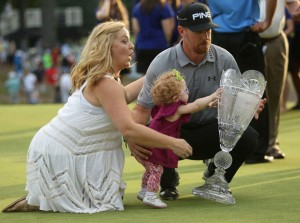 Hunter Mahan Wins at The Barclays