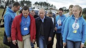 Putin Compares Kiev to Nazis While Ukraine Tries to Join NATO