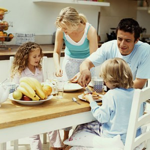 Family Meals Reduce Effects of Cyberbullying