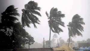 Cyclone Hudhud Makes Landfall at Visakhapatnam and Kills 6