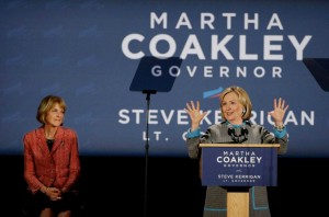 Clinton Aids Democratic Candidates in New England Tour