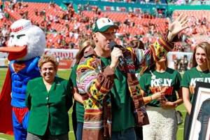 UM Pays Homage to Hurricanes Legend, Jim Kelly