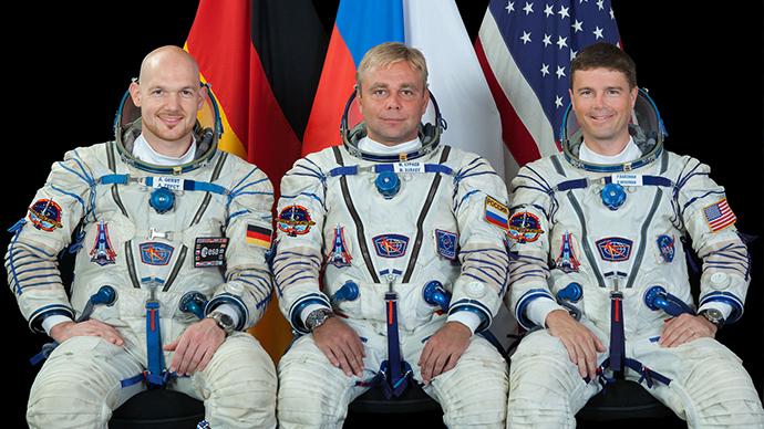 ISS Crew Lands
