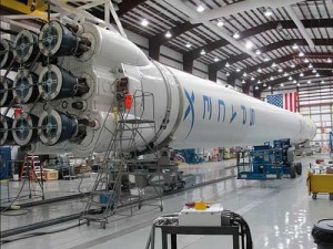 SpaceX Will Attempt to Land a Falcon 9 Rocket on a Floating Platform in the Ocean