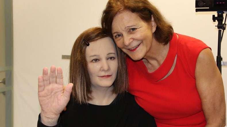 "alt=""Social Robot Nadine"""