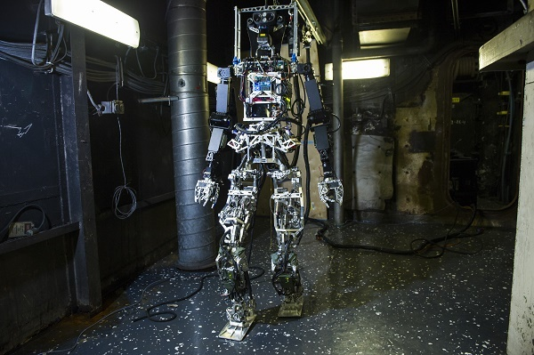 manned bipedal robot