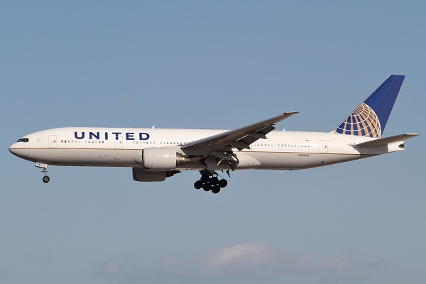 United Airlines airplane